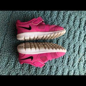 Nike Shoes - Girls Nike size 6c shoes
